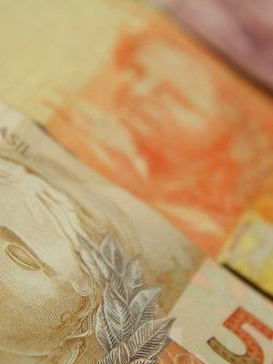 dinheiro-marcos-santos-usp-imagens