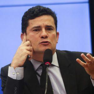 Brasília - O juiz federal Sérgio Moro, responsável pela Operação Lava Jato na primeira instância da Justiça Federal do Paraná, defendeu hoje (4), na Câmara, a revisão das penas mínimas aplicadas em casos de corrupção (José Cruz/Agência Brasil)